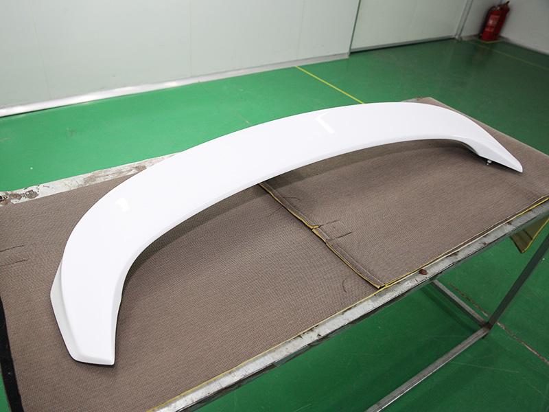 B70 尾翼