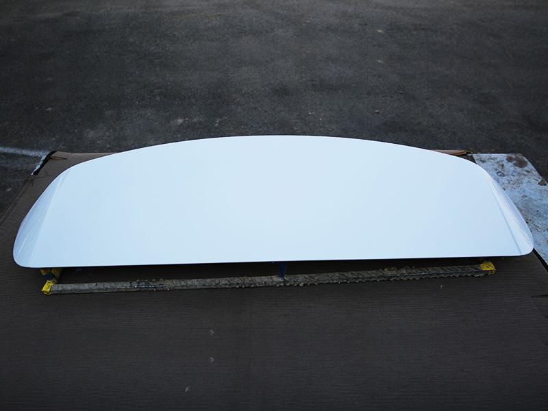 Q3 扰流板--冰川白
